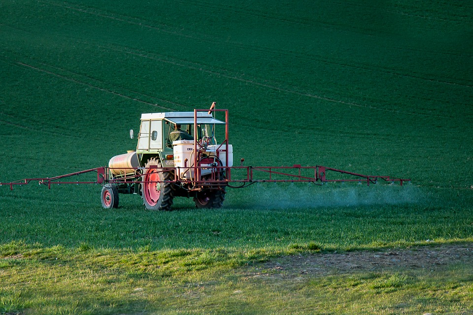 Establishment of pesticide specialised parks suggested at China's Two Sessions